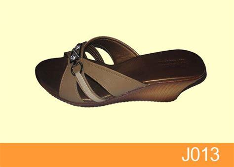 Sendal Kulit Sendal Wanita Sendal Santai Sendal Kantor Platform sandal wanita toko sandal sepatu wanita jual sepatu sandal pantofel kulit