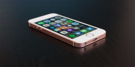 i phone apple iphone se review one year later it s better than