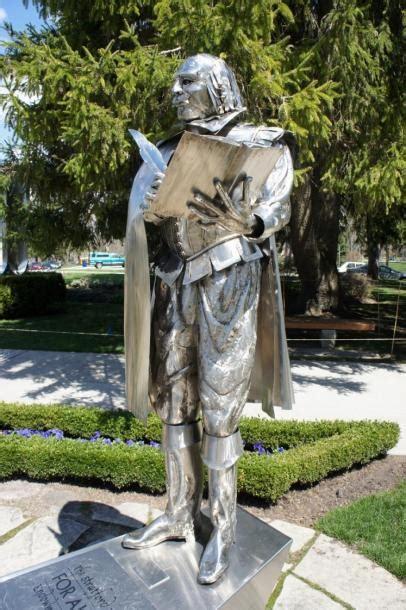 stratford william shakespeare statue located shakepeare