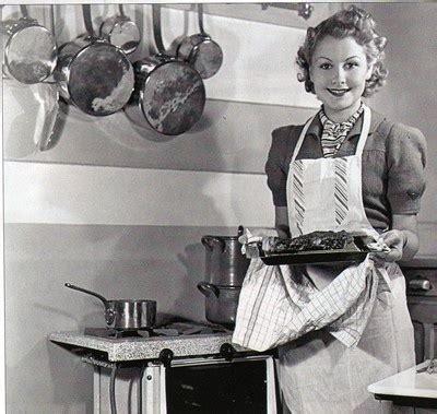 femme au foyer 1900 i la place de la femme dans la vie familiale
