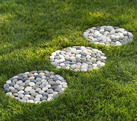 Backyard Pebbles by Garden Decorating Ideas With Pebbles Always In Trend