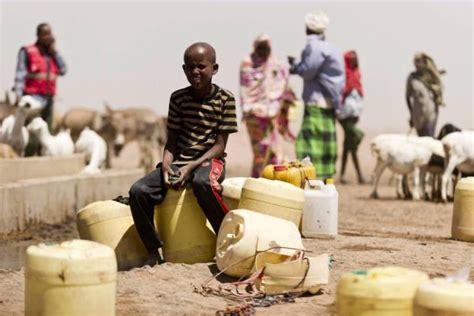Hoy Viajamos Al Cuerno De Africa Para Conocer Al Que Fue Un Animal | im 225 genes de la hambruna que se vive en el cuerno de 193 frica