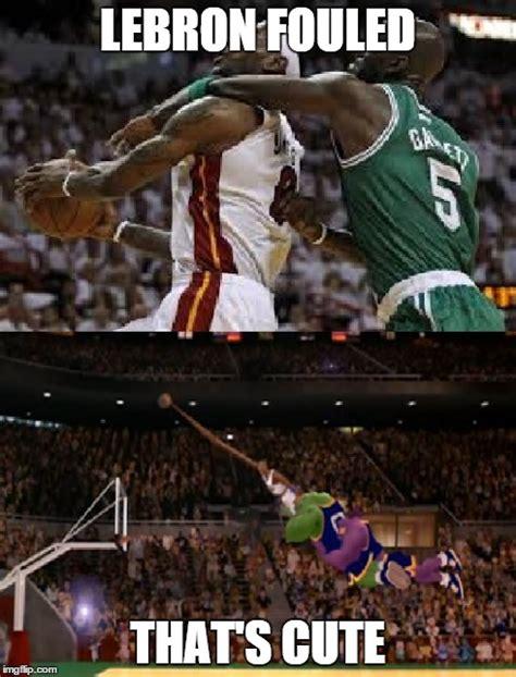Lebron Jordan Meme - lebron fouled vs jordan fouled imgflip