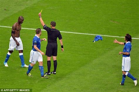 Mudahnya Shalat Malam mario balotelli malam terindah dalam hidup dua gol
