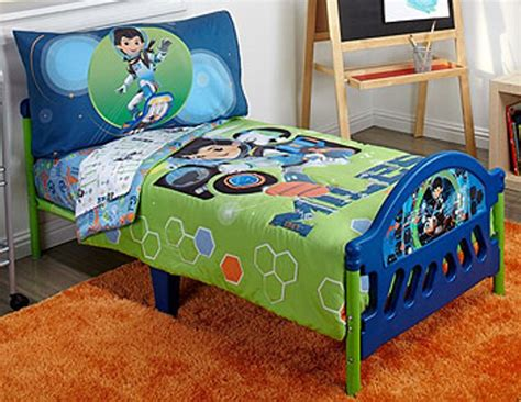 Buzz Lightyear Bed Set Disney Buzz Lightyear Spaceship Toddler Bed Mygreenatl Bunk Beds Buzz Lightyear Toddler Bed Set