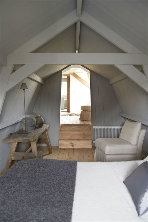 dachboden hauptschlafzimmer always thought a cool place in an attic would be so