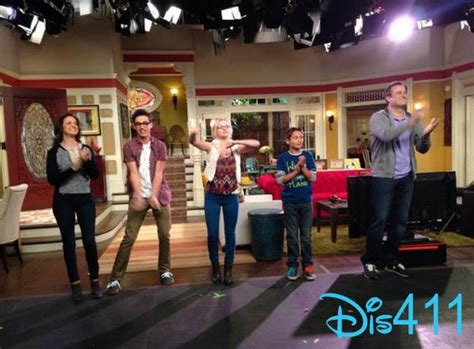 liv and maddies bedroom photo liv and maddie live audience taping july 29 2014 photos