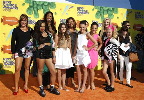 what are all of the dance moms kids doing now 2015 dance moms wins for favorite reality show at 2015 kids