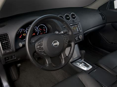 Image Gallery 2011 Altima Interior
