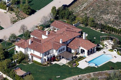 khloe kardashian new house khloe kardashian buys justin bieber s house in calabasas hollywood life