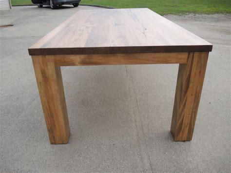 table cuisine moderne table de cuisine moderne en bois atelier meuble rustique