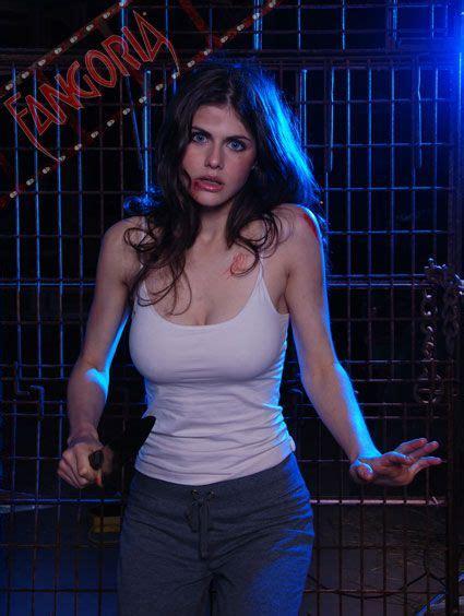 Alexandra Daddario Moist And Nipple Poking Behind The Alexandra Daddario Alexandra Pinterest M 228 Dels Ich