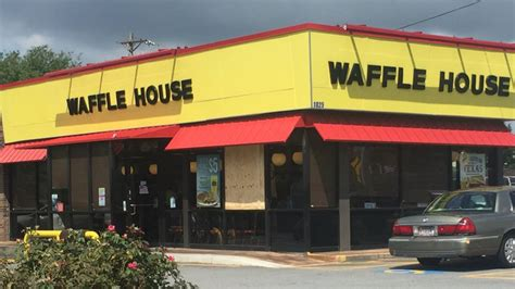 waffle house fight waffle house fight customer thrown through window of