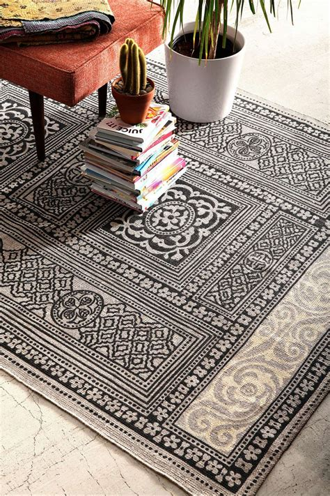 Outfitters Area Rugs by 25 Best Outfitters Rug Ideas On Floor