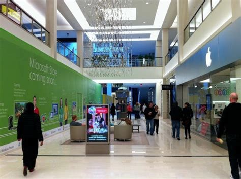 4 Apple Store Indonesia Why Microsoft S Mall Of America Store Will Fail Cult Of Mac