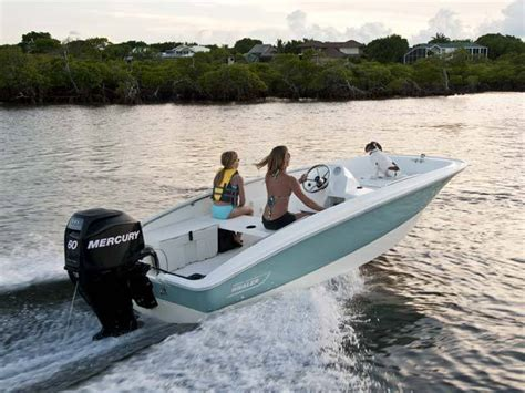 boat brands similar to boston whaler research 2012 boston whaler boats 150 super sport on