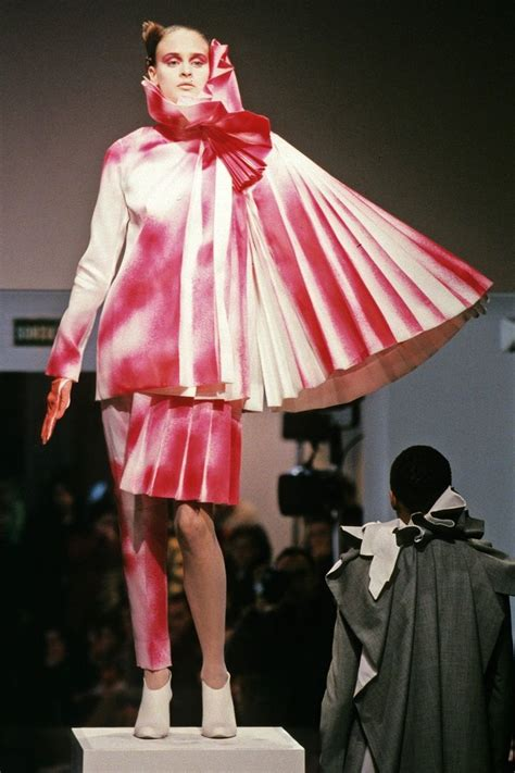 I Viktorrolf by 106 Best Images About Fashion Avant Garde Viktor Rolf