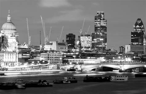 wallpaper black and white london london black and white wallpaper www pixshark com
