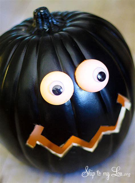 pumpkin carving diy lighted eyes