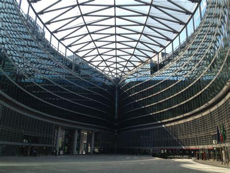 regione lombardia uffici file piazza palazzo lombardia jpg wikimedia commons