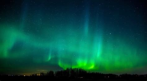 when is the northern lights the northern lights will be visible across canada tonight
