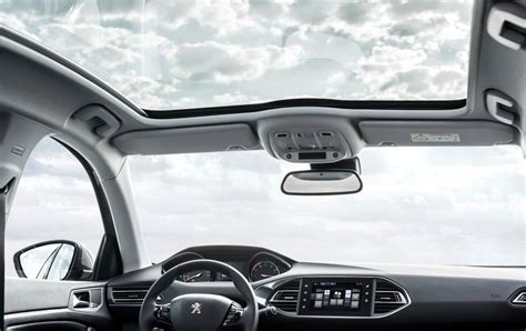 peugeot  panoramic roof autonetmagz review mobil