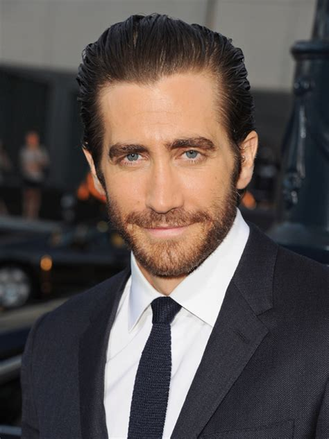 jake gyllenhaal sports fake tattoos for new film