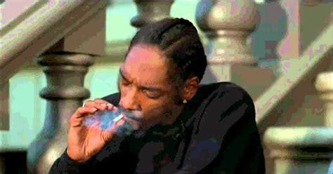 Who Plays The On The In Half Baked by Half Baked Medio Drogados Escena De Snoop Dogg