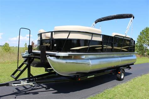 bentley 200 pontoon boat bentley pontoons 200 cruise boats for sale boats