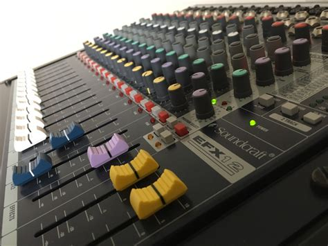 Mixer Soundcraft Efx 12 soundcraft efx12 image 1459592 audiofanzine