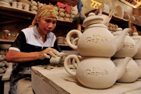 Produk Ukm Bumn Set Poci Teh by Perajin Keramik Lokal Khawatir Serbuan Keramik China