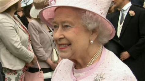 Awaits Birth by Awaits Royal Birth At Buckingham Palace Today