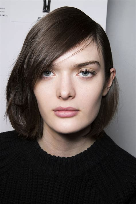 no effort medium length hairstyles for ordinary women over 50 with thin hair 10 low maintenance lob length cuts we love lob haircut