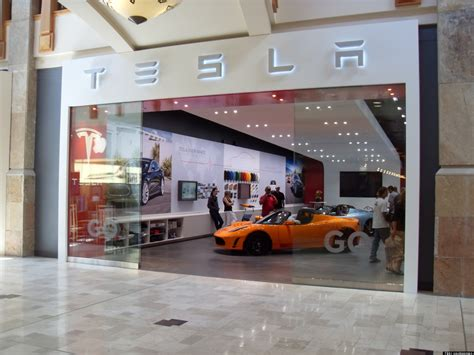 Tesla Illegal Dealers Call Tesla Factory Stores Illegal Huffpost
