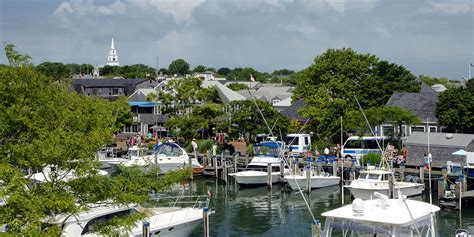 boat basin cottages nantucket the cottages lofts at the boat basin nantucket island hotel