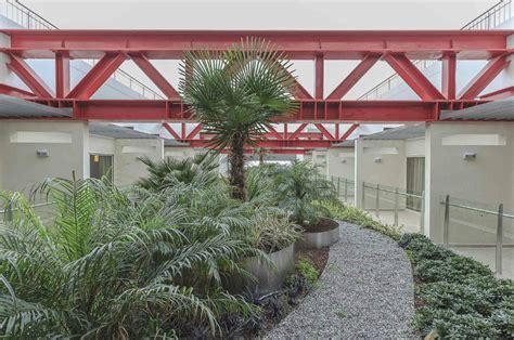 Botanic Garden View Ramada Ramada Izmir Hotel Diş Mekan