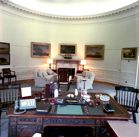 oval office white house white house rooms oval office cross hall east room china room vermeil room monroe treaty