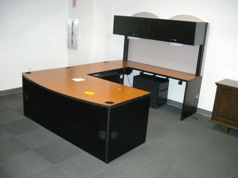 lot 26 large wrap around office desk