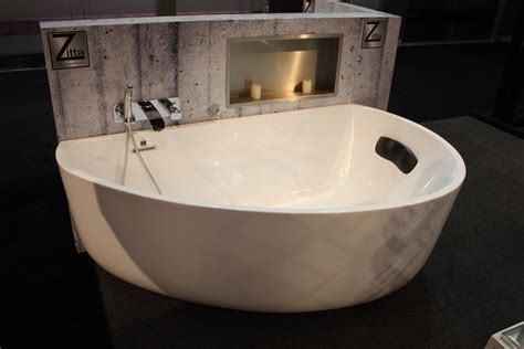 two bathtubs a modern take on an old concept freestanding bathtubs
