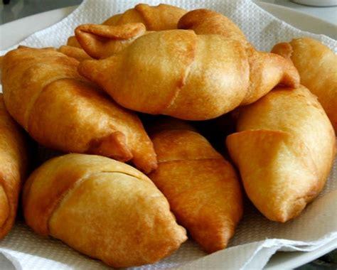 membuat kue olahan dari pisang resep dan cara membuat molen pisang goreng renyah dan nikmat