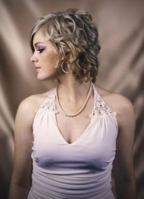 curly hairstyles with long in front short in back corte de pelo corto rizado mujer
