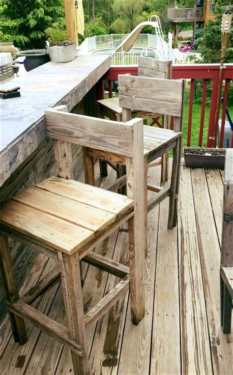 diy outdoor bar stools best 25 pallet bar stools ideas on pinterest pallet