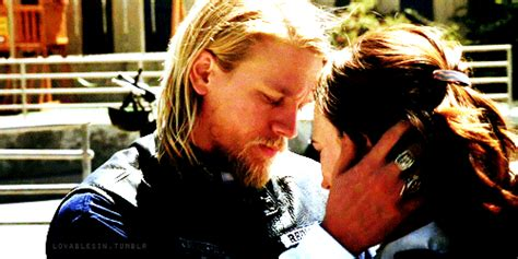 31 reasons jax teller is your perfect man buzzfeed sons of anarchy ends jax s 10 sexiest moments in pics