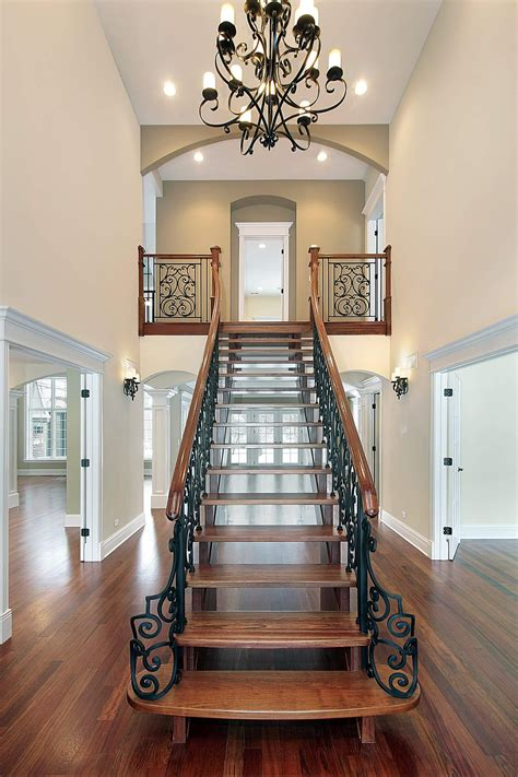 split staircase   view   dining area