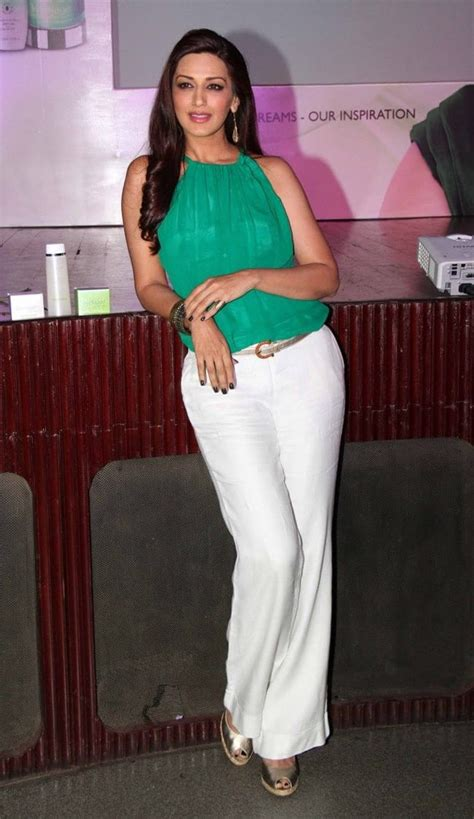 bollywood actresses clothes top 10 bollywood actress in casual dresses sheideas