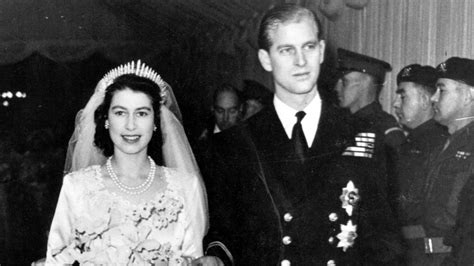 biography of queen elizabeth 2 queen elizabeth ii royal wedding biography