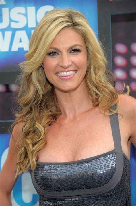 erin andrews erin andrews cup size her bra size