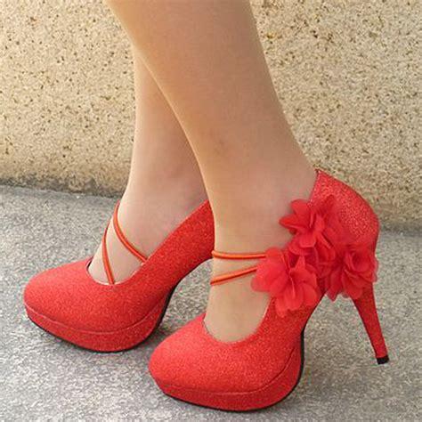 imagenes zapatos bonitos hermosos zapatos de tacon con plataforma y tacos fotos