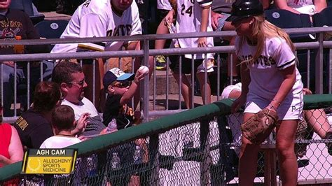 pirates fan tosses foul ball to young girl youtube young fan throws back foul from ball girl youtube