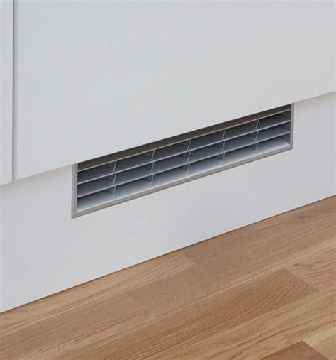 grille ventilation cuisine grille de ventilation pour plinthe houdan cuisines